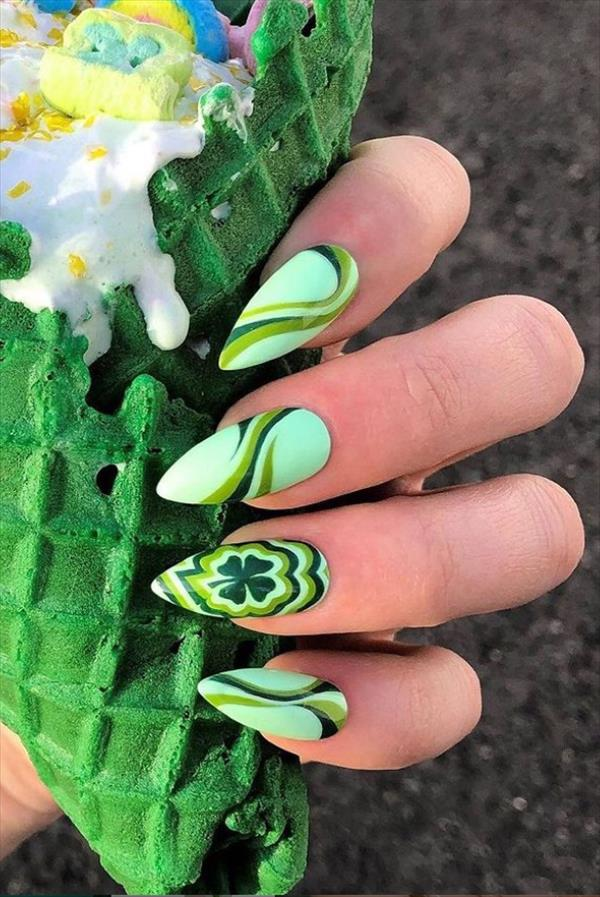 Acuminate shape nails for Summer nails design