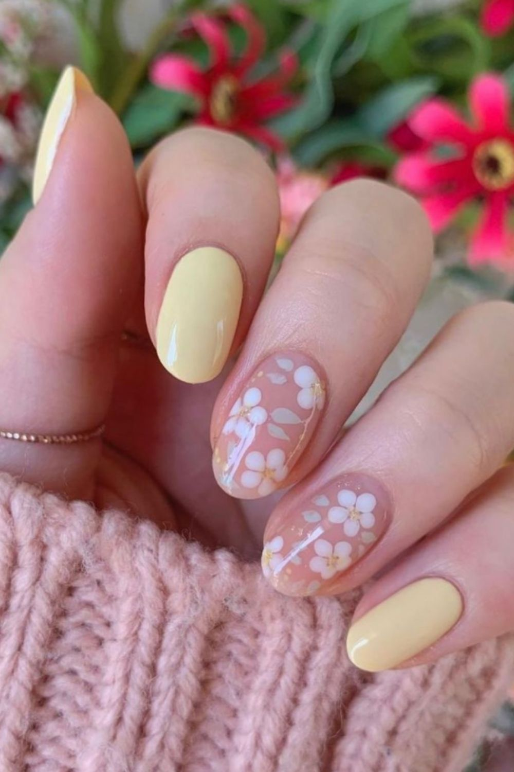 stylish summer almond nails to try