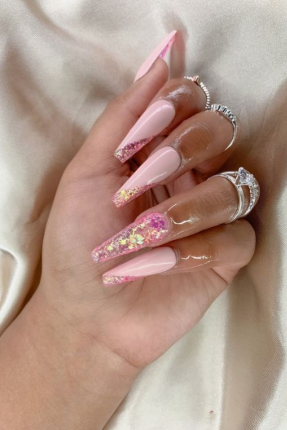 Birthday Nails: 40 Romantic Nail Designs For You Go To A Birthday Party!