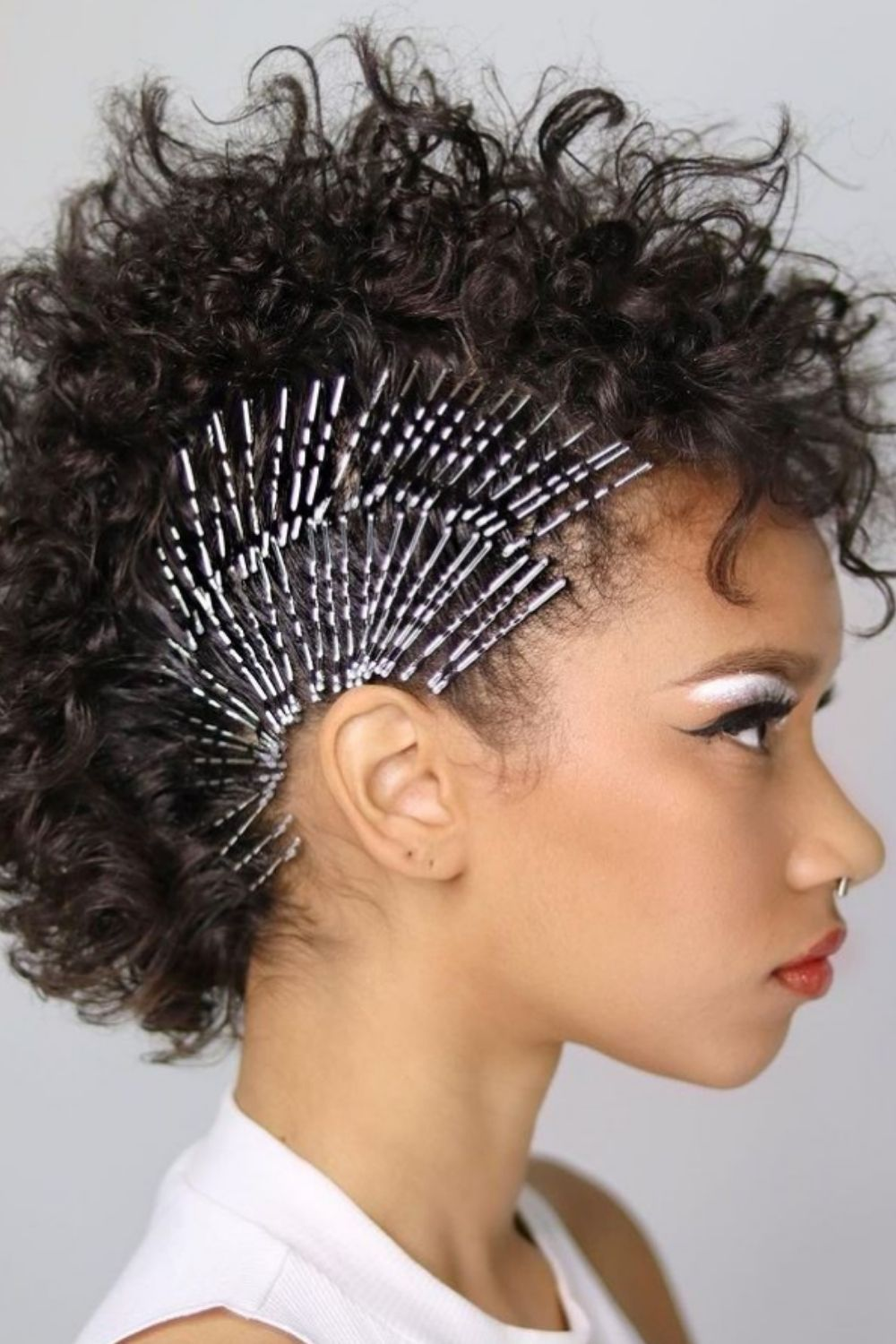 Bobby pin hairstyle | fashion hair accessories hairstyle trend for 2021