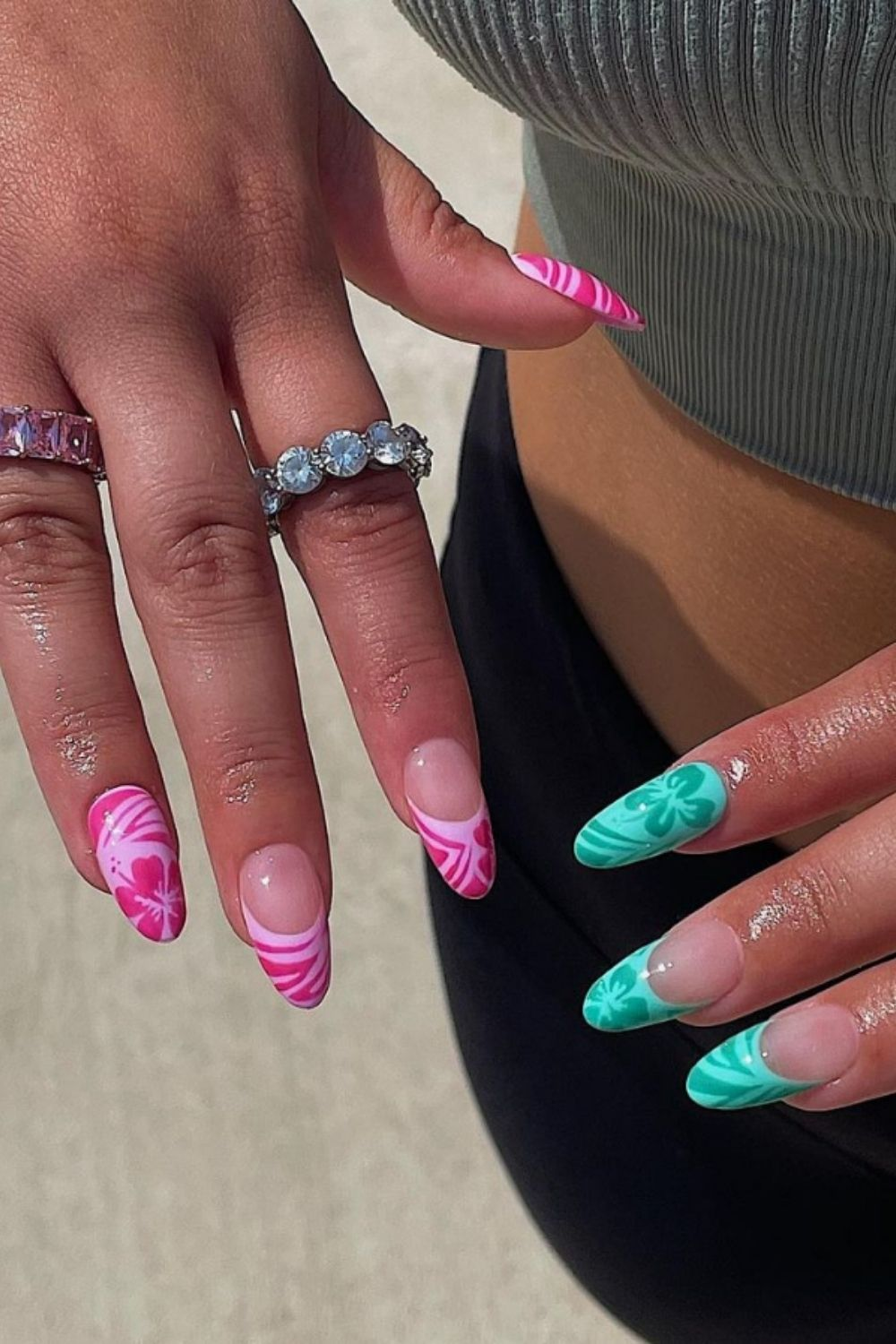 Almond shaped nails    short nails design ready for the fall season
