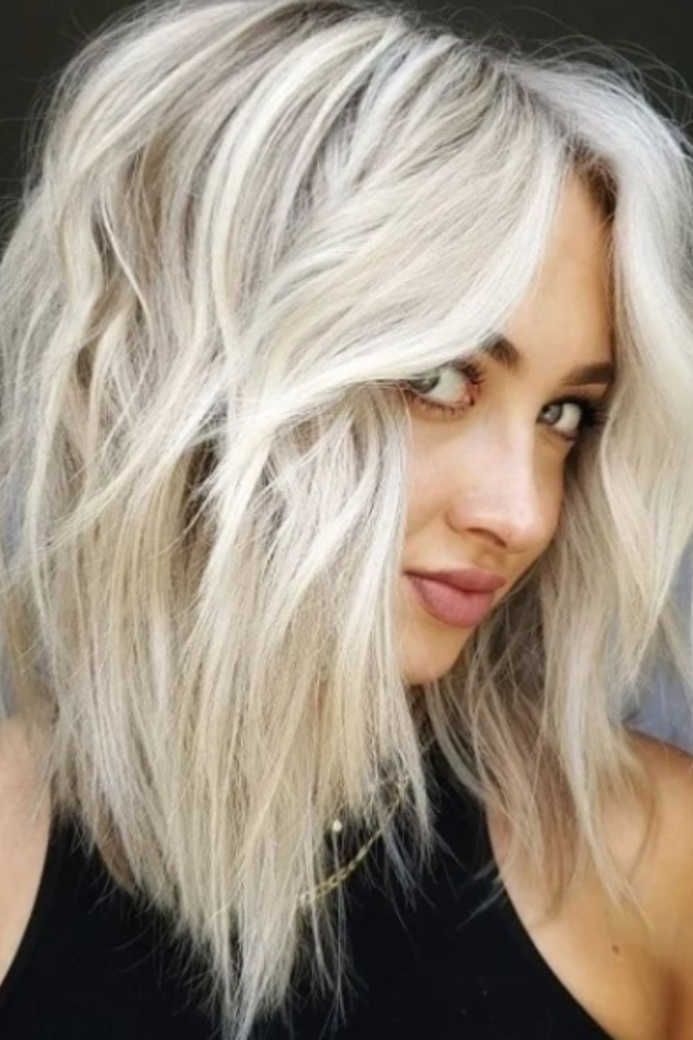 How to Cut Such Layered Hair with Curtain Bangs?