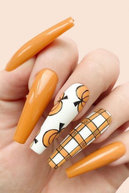 Cool And Creepy Halloween Nails
