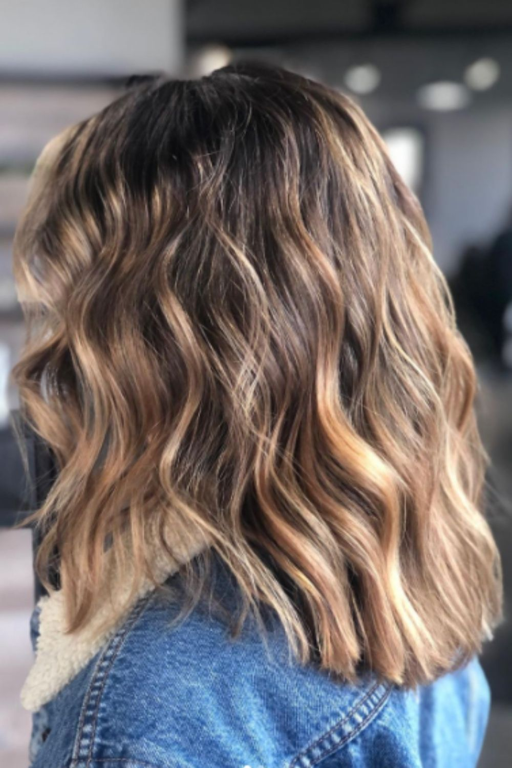 How to style medium length hairstyles for women?