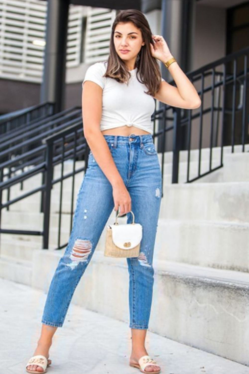 Ripped mom jeans outfits