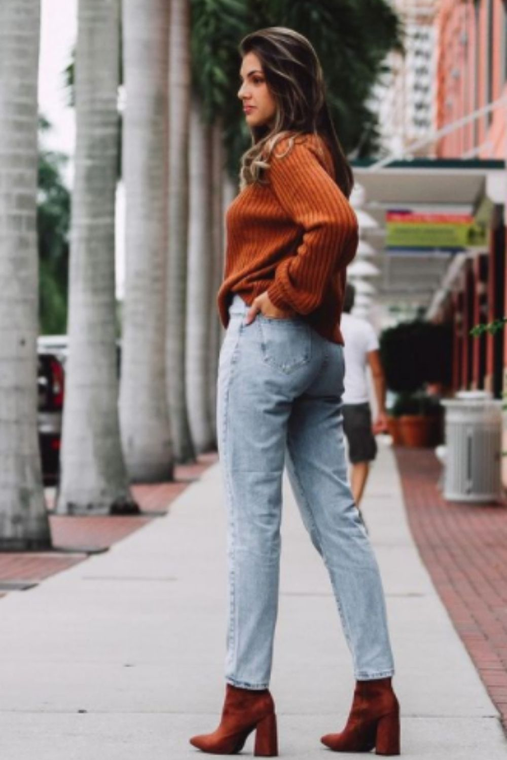 How to wear mom jean